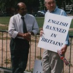 Michael Plumber, Chairman of the British Weights and Measures Association at Parliament Square in June 2000, campaigning against traders being forced to sell in kilos.